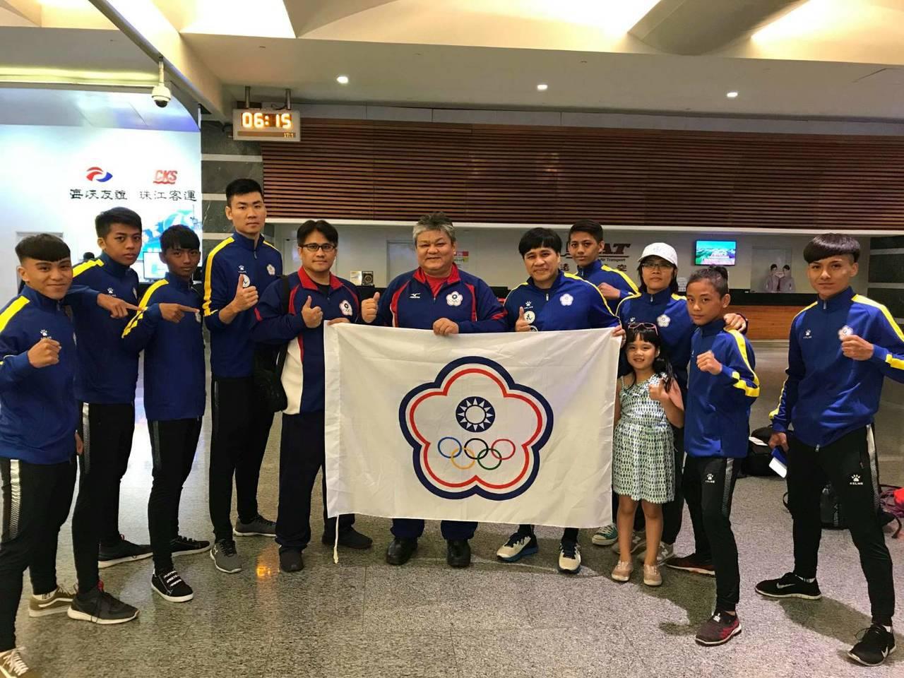 中華青年泰拳代表隊今晨出發泰國參加2018 IFMA世界青年泰拳錦標賽。圖/中華...