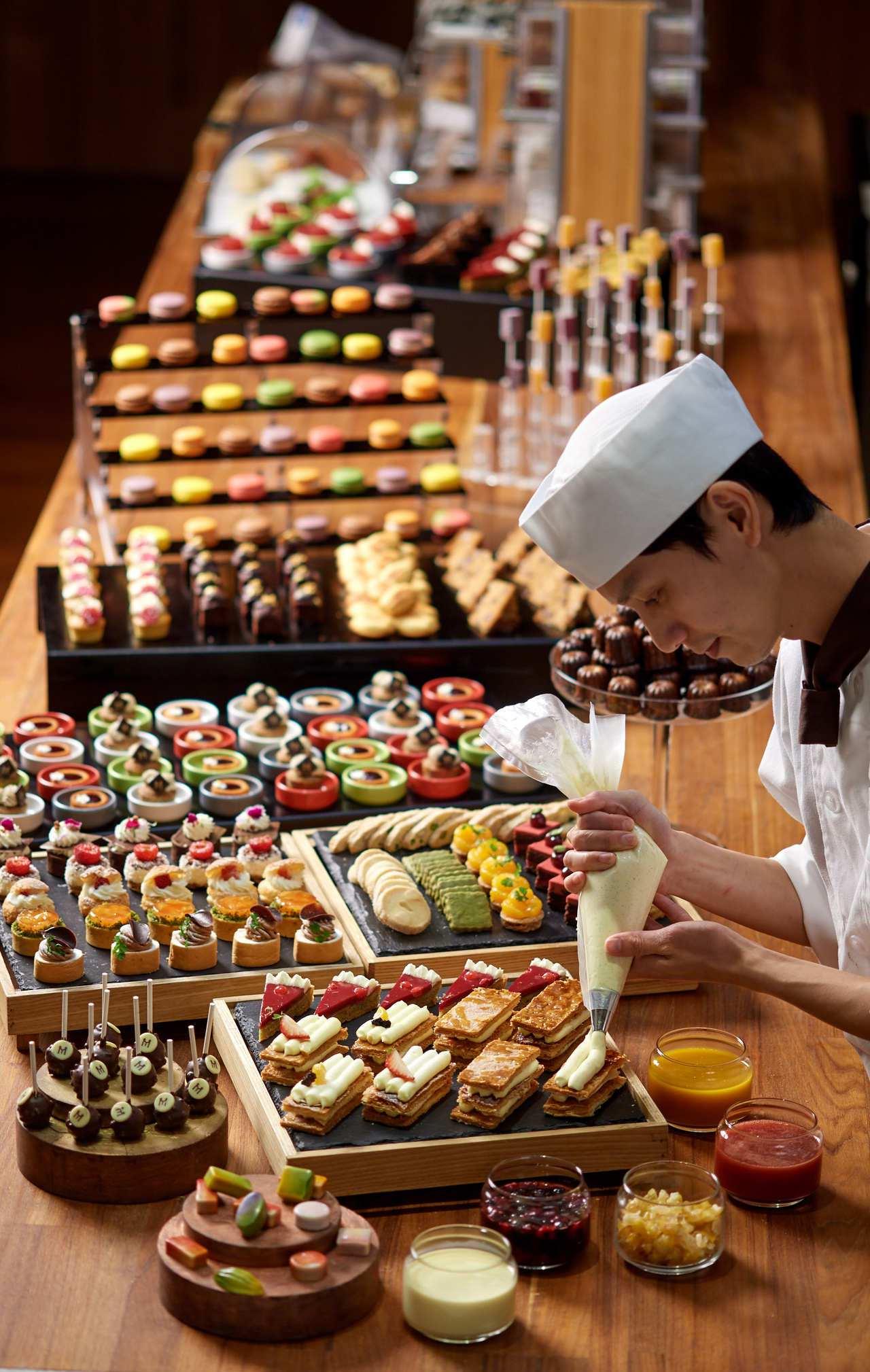 台北美福飯店彩匯自助餐推出買5送1優惠。圖/台北美福飯店提供