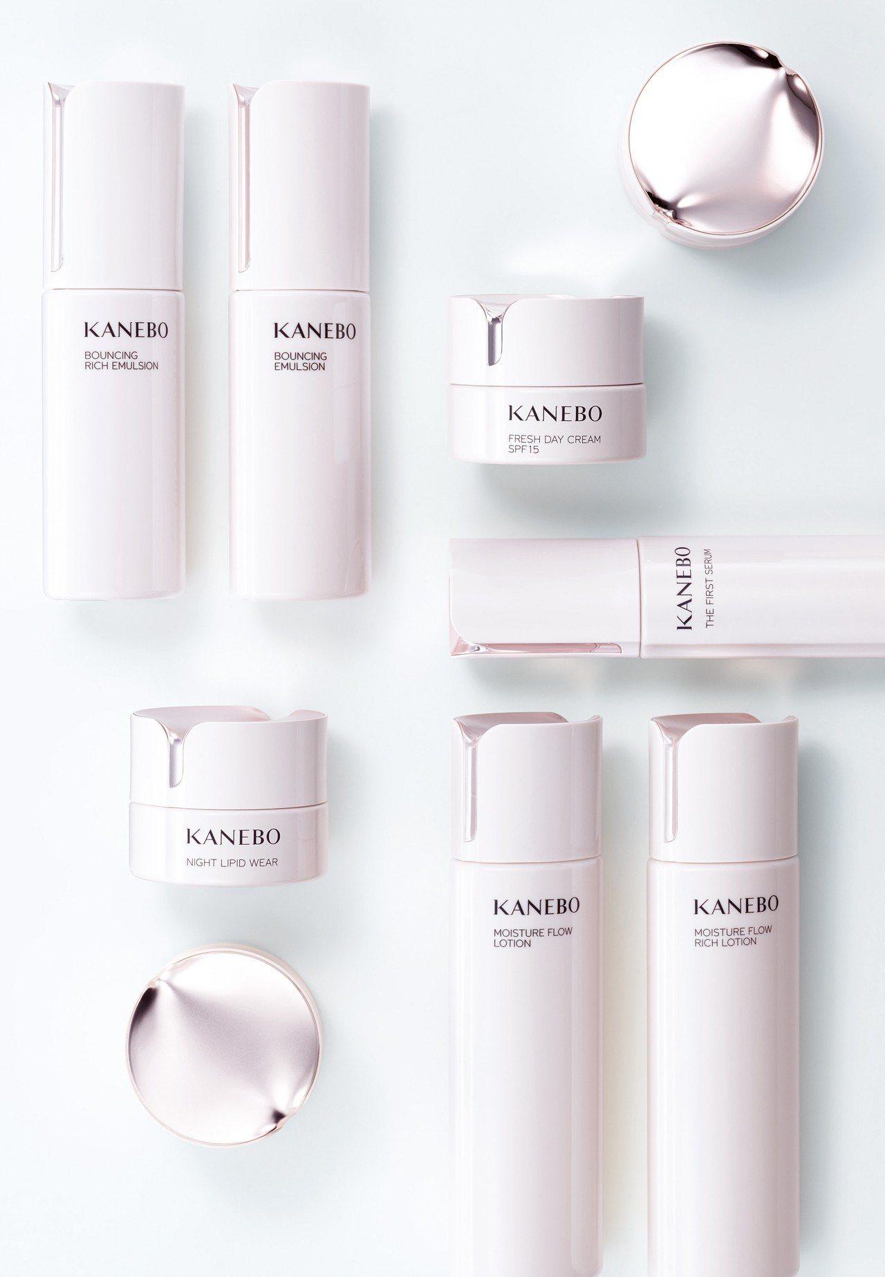 全新「KANEBO」系列保養品有著同時擷取日本與中國茶花所形成的沁雅宜人香氣。 ...