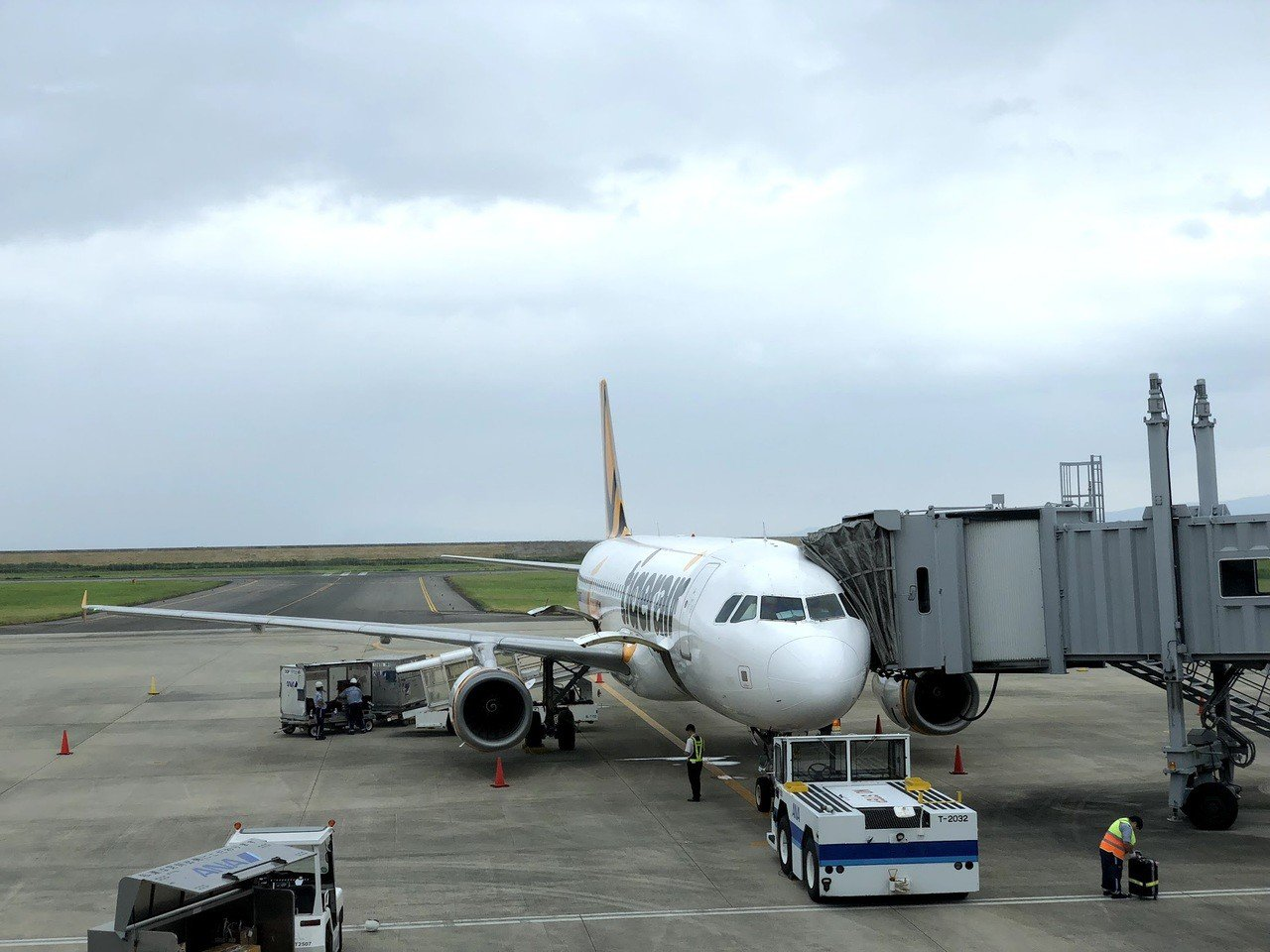 搭飛機有一定的風險,若要開心出門平安落地,最好先詳閱航空公司提供的健康須知。記者...