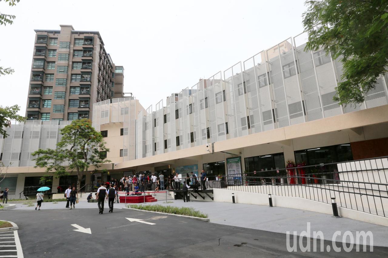 「國家住宅及都市更新中心」今天成立。記者胡經周/攝影