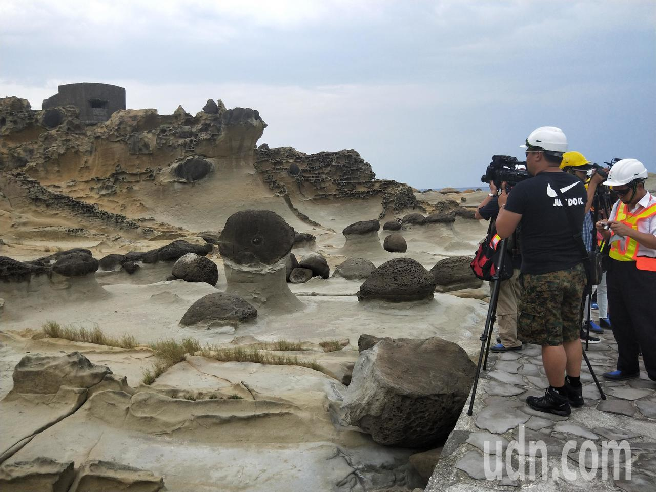 基隆市和平島公園地質景觀豐富,充滿著各式各樣的奇岩異石,本周末正式開放。記者游明...