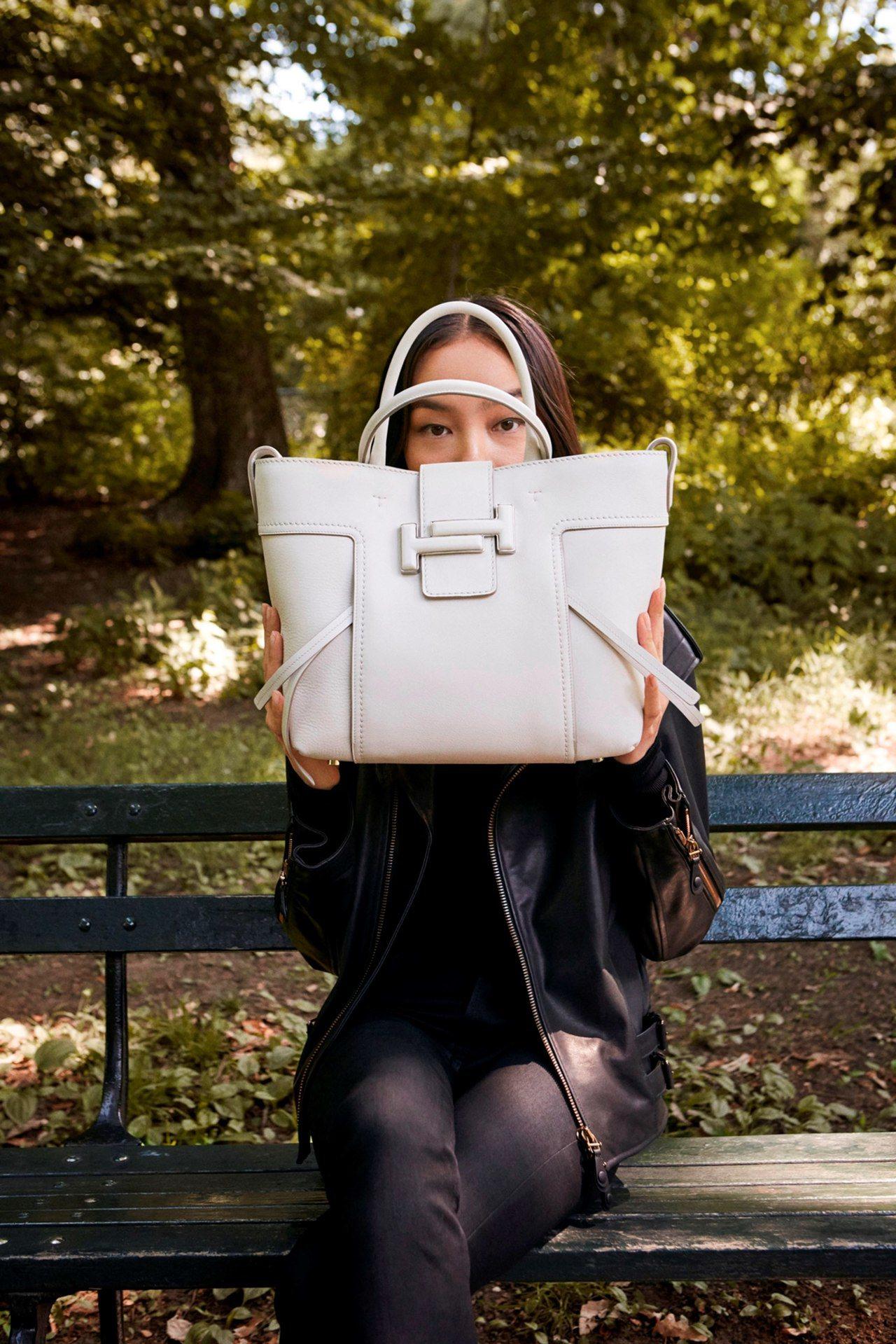 TOD'S T Shopping Bag。圖/迪生提供