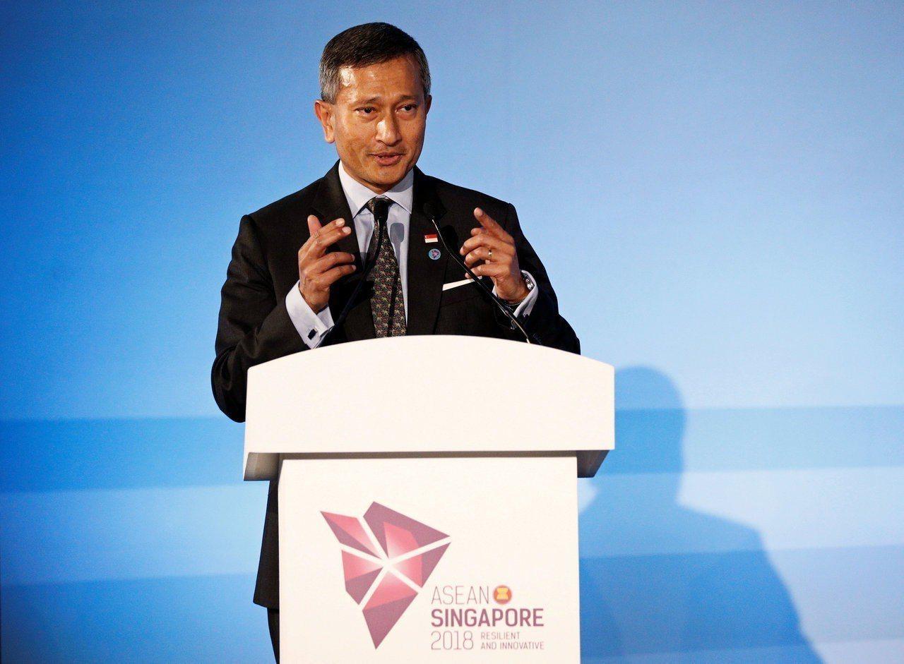 新加坡外交部長維文2日在51屆東協外長會議開幕儀式發表演說。路透
