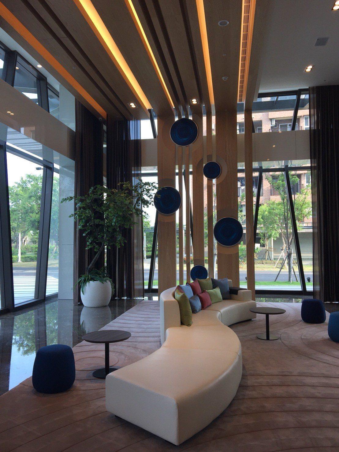 大廳也是一派泡泡意象。記者羅建怡/攝影