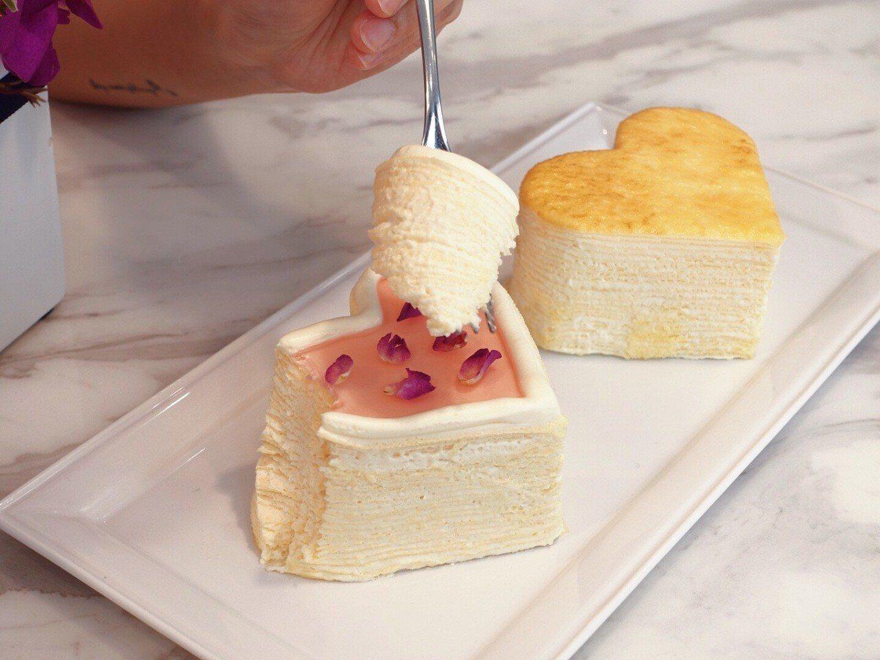 「經典原味千層蛋糕」、「玫瑰千層蛋糕」化為愛心形狀,情人節限定。記者張芳瑜/攝影