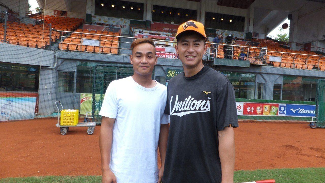 陳傑憲(右)、張偉聖相見歡,兩人成為隊友。記者藍宗標/攝影