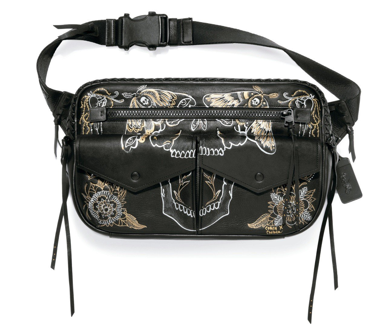 COACH刺青腰包,售價25,800元。圖/COACH提供