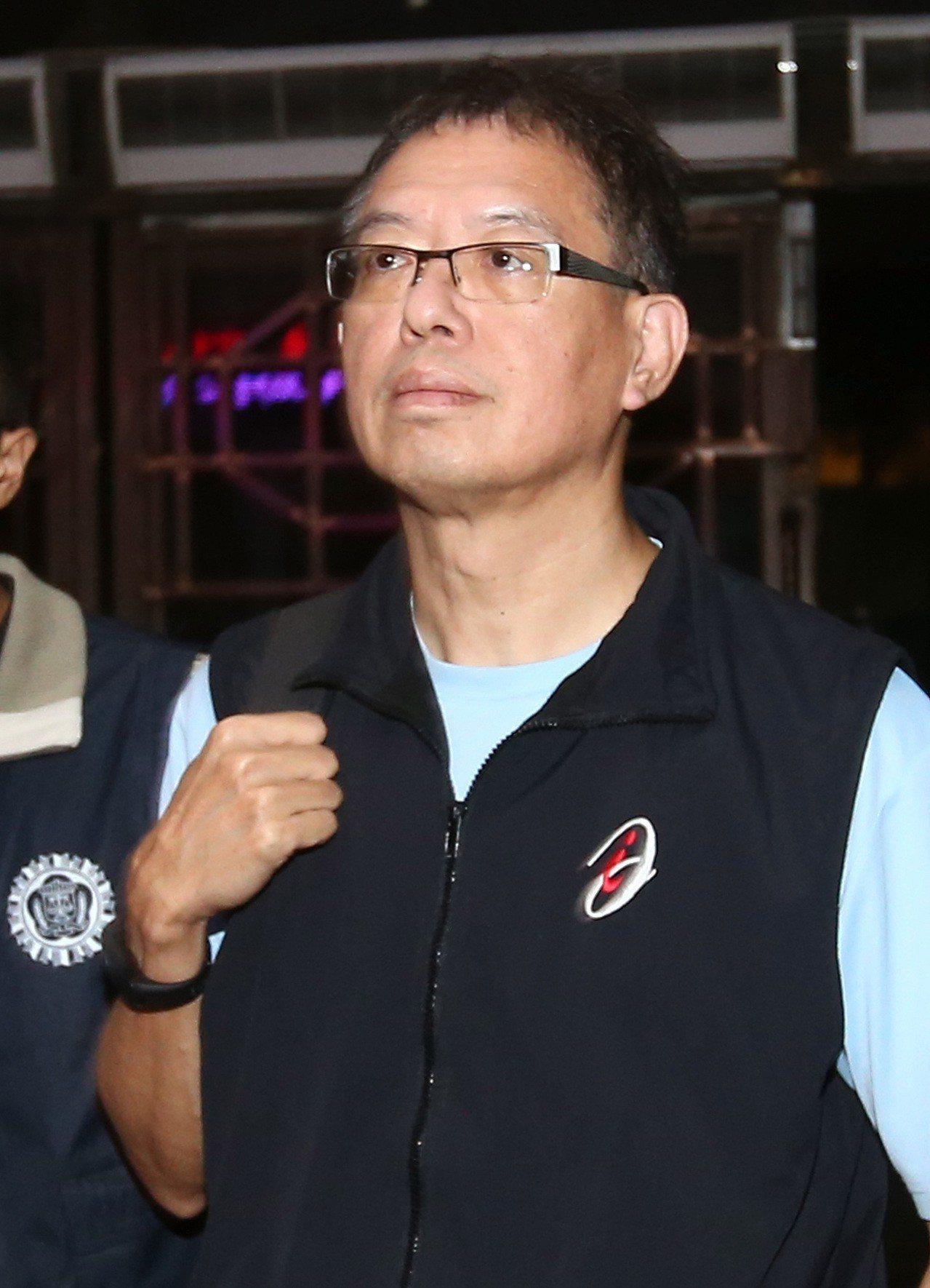 台北地檢署偵辦台塑總管理處回扣案,意外查出案外案。懷疑在押的艾博斯科技公司負責人...