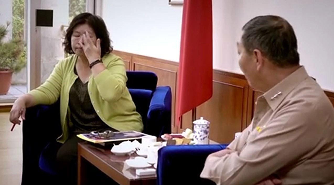 海軍士兵黃國章離奇落海身亡,母親陳碧娥(左)堅持尋找真相的過程被拍成紀錄片。圖/...