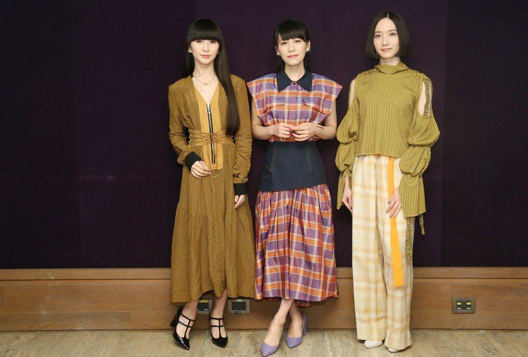 出身於日本廣島的女子流行電子音樂團Perfume,三位成員樫野有香(左起)、西脇...