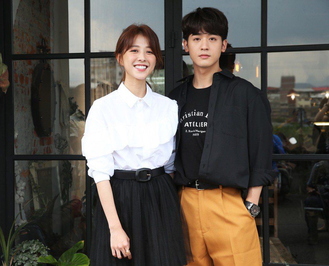 邵雨薇與小樂吳思賢出席媒體茶敘宣傳新戲《愛的3.14159》。記者徐兆玄/攝影