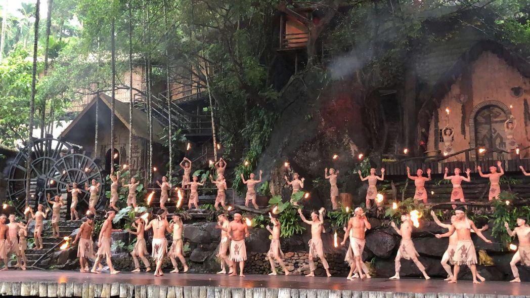 檳榔谷位於保亭縣與三亞市交界的甘什嶺自然保護區,是海南少數民族的文化聖地。 特派...