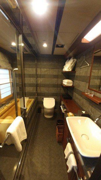 四季島套房浴室。 袁世珮