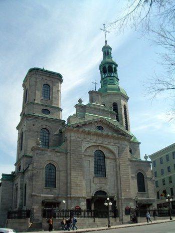 蒙特婁市中心的聖母大教堂莊嚴肅穆。 袁世珮
