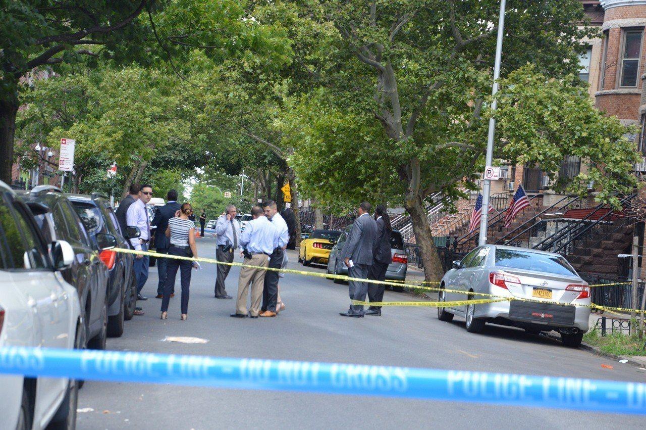 紐約布碌崙(布魯克林)華人聚居的日落公園6大道附近,2日上午發生命案,一名被重砍...