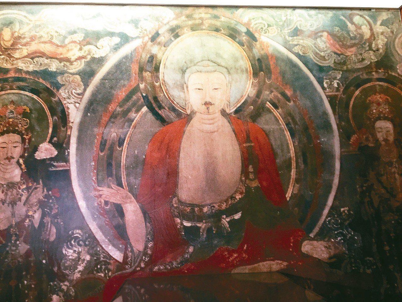 金代佛像展現金人形象,姓別為男,留有小山羊鬍子,相當獨特。 翻拍畫冊