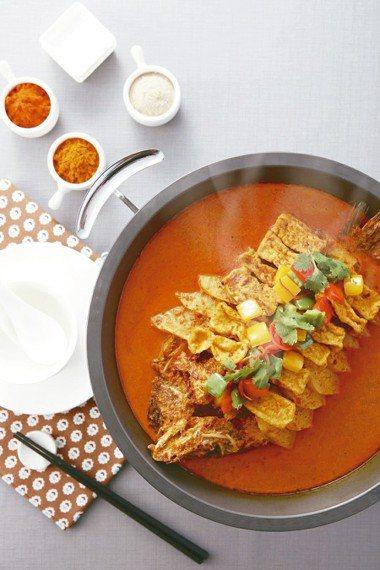 「PUTIEN莆田」菜色叻沙烤魚。 報系資料照、王品/提供