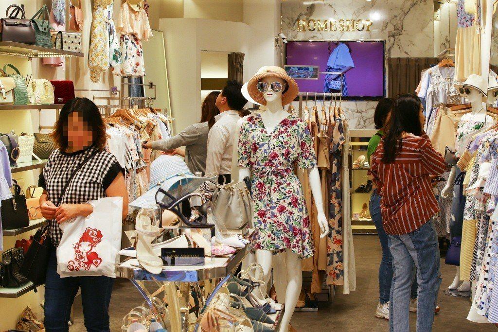 標普全球評級最新上調台灣今年經濟成長率預估,從年初的2.4%調升至2.8%,明年...