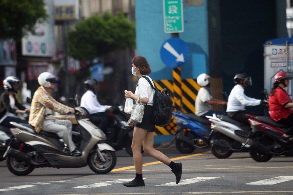 內政部長徐國勇日前表示,為減輕年輕人購屋壓力,政府考慮提供信保基金信貸,讓青年購...