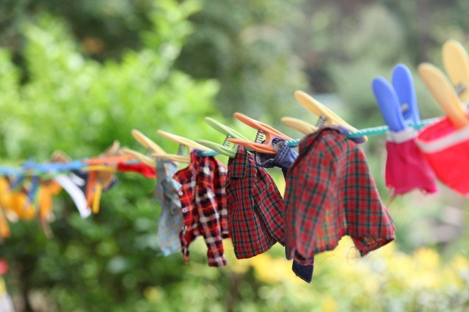 洗衣服示意圖。ingimage