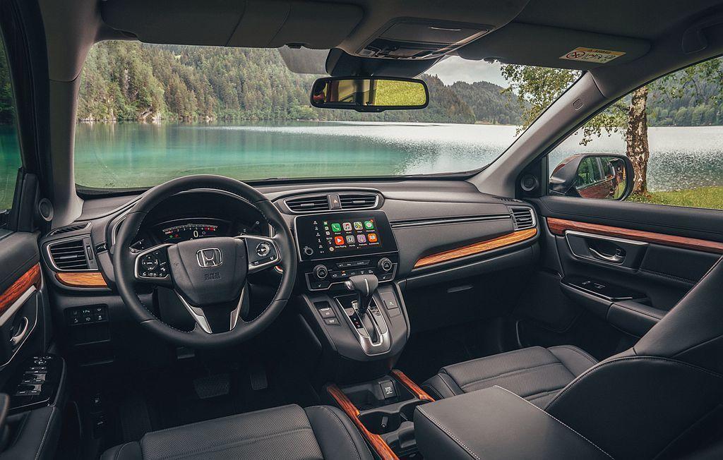 其他車型的差異,則都是在實用配備上的分別如Smart Key、皮革內飾、加熱方向盤、抬頭顯示器、電動尾門與全景天窗等。 圖/Honda提供
