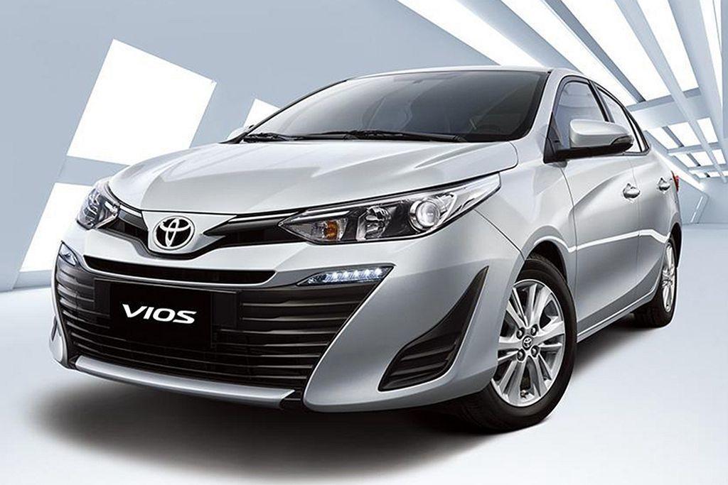 台灣最暢銷的入門房車Toyota Vios ,今年小改後安全配備一次補齊,但最便...