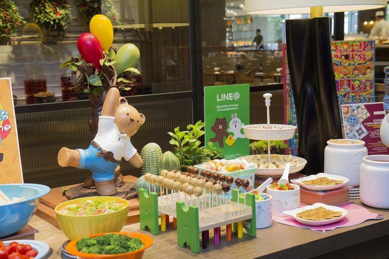 台北君悅酒店超人氣凱菲屋於即日起至8月31日止,每周五至周日的午、晚餐時段推出專...