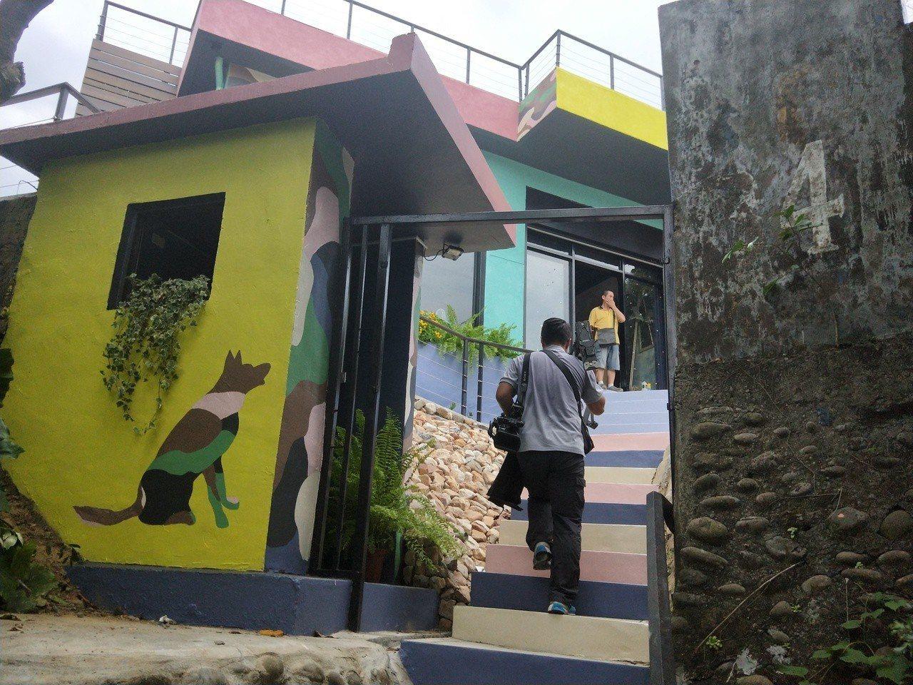 北觀處把廢棄的和平島雷達站,改建為景觀咖啡餐廳,並設有景觀平台,視野極佳。記者游...
