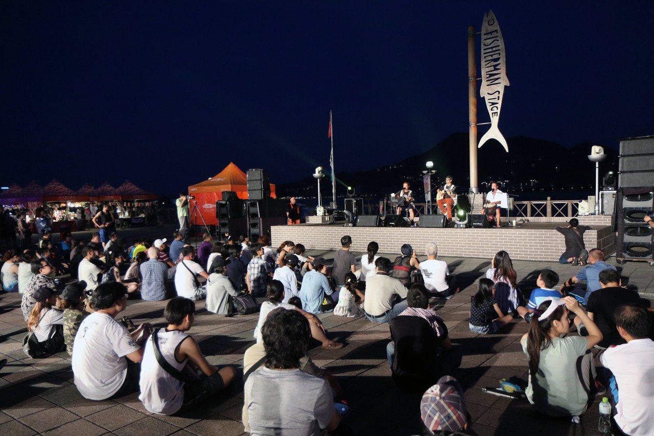 2018淡水漁人舞台早已是樂迷周末必前往享受音樂的最佳去處。記者王敏旭/攝影