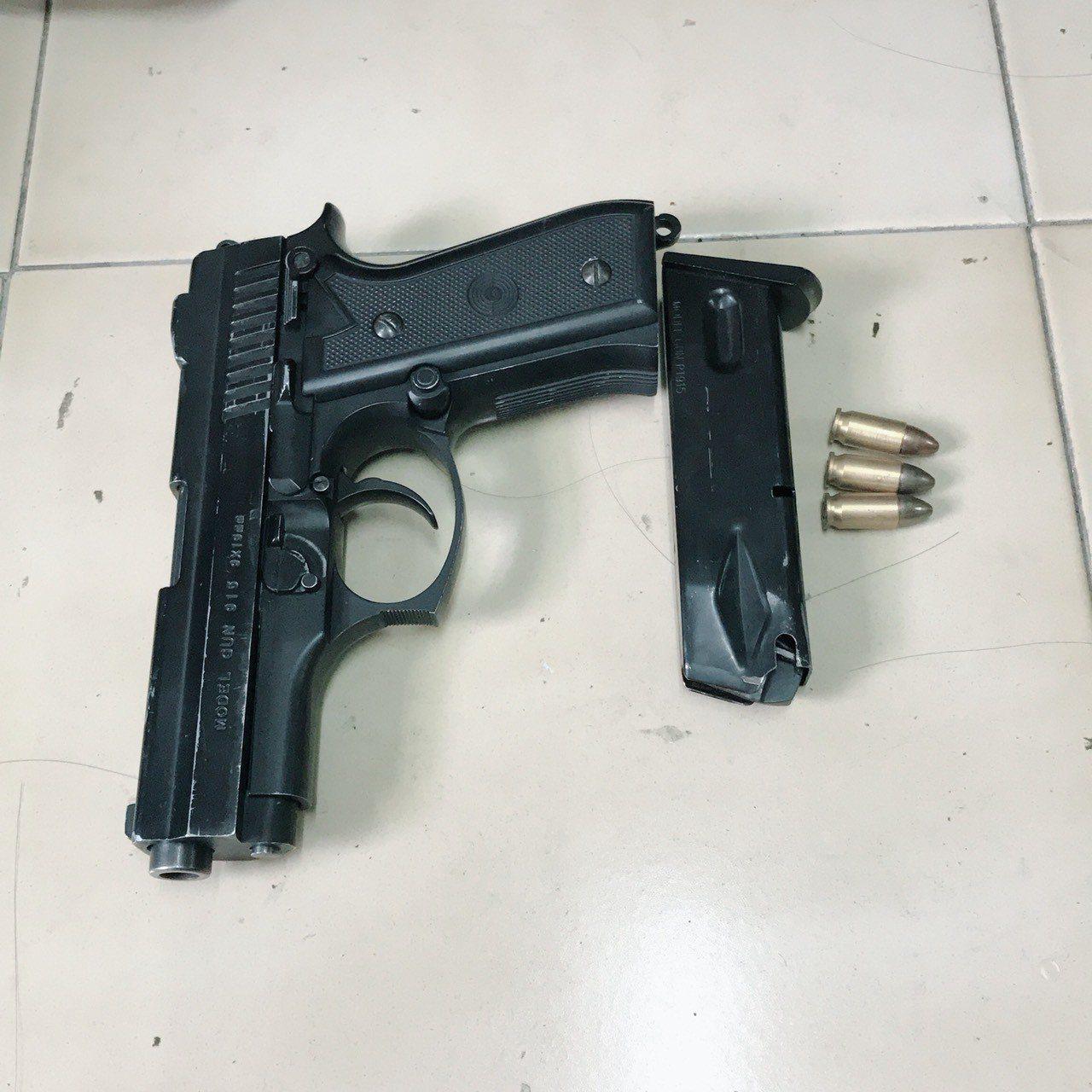 警方查獲改造的JP-915金牛座手槍。記者劉星君/翻攝