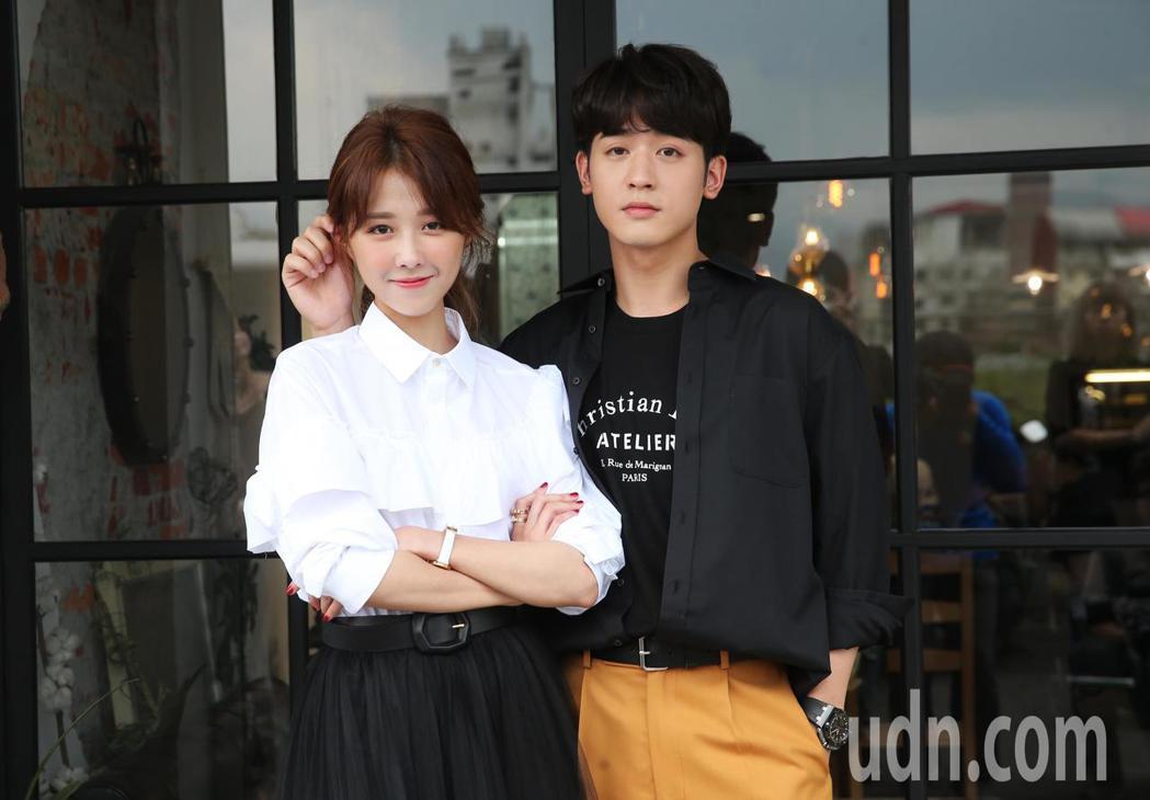 邵雨薇與小樂吳思賢今天一起出席媒體茶敘宣傳新戲《愛的3.14159》。記者徐兆玄...