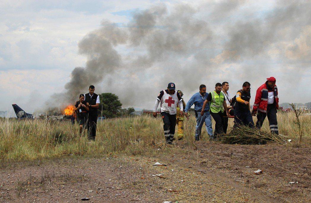 杜蘭戈墜機事故並未造成任何乘客與機組員死亡,只有數十人受傷。 美聯社