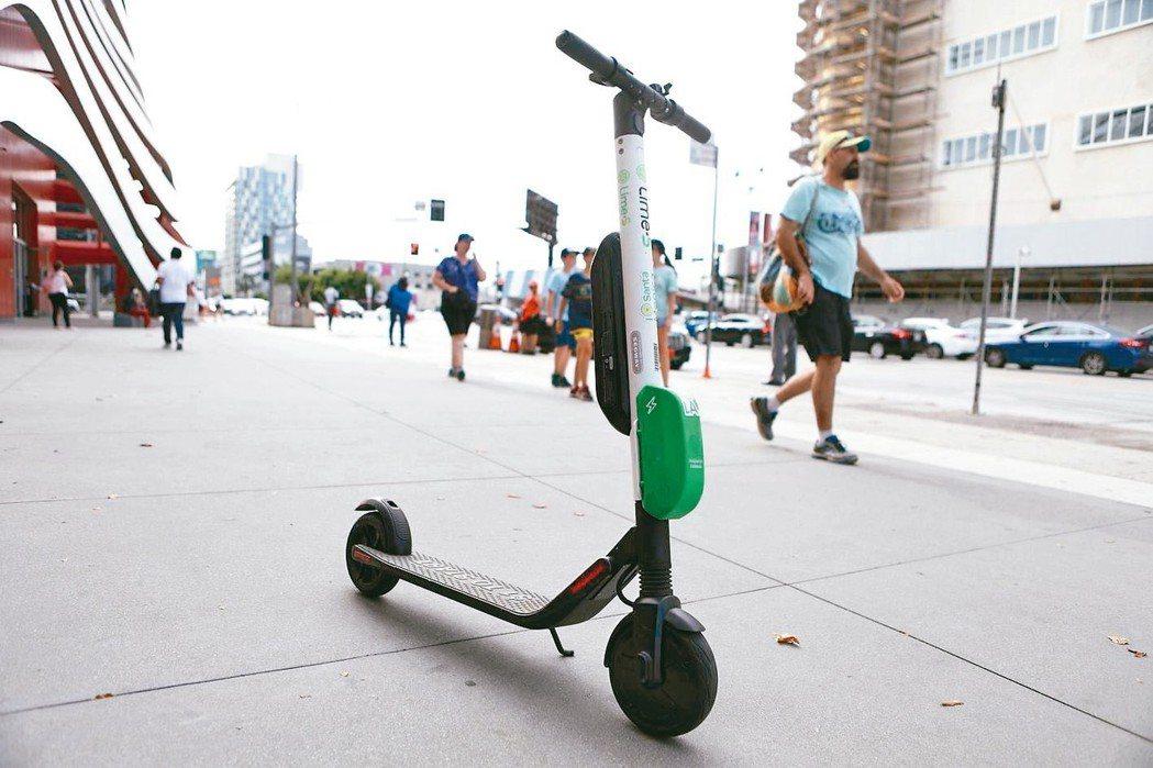 從共享單車和電動滑板車到超迴路列車(Hyperloop),企業和城市規劃師紛紛提...