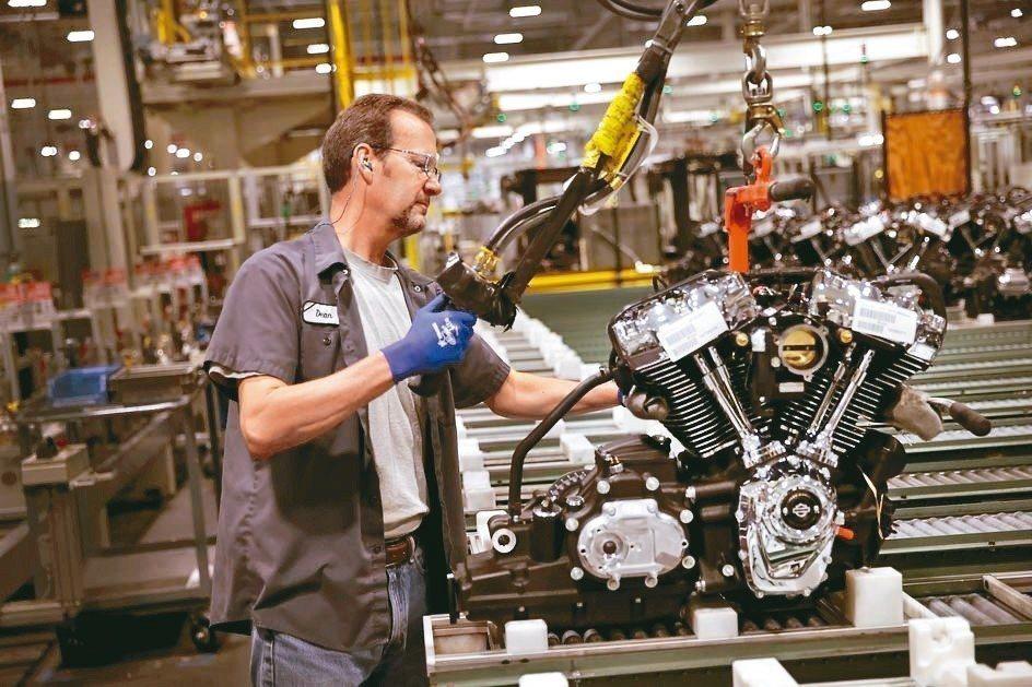 美國製造業、汽車業等產業,正苦於不易招聘「新領」勞工。 法新社