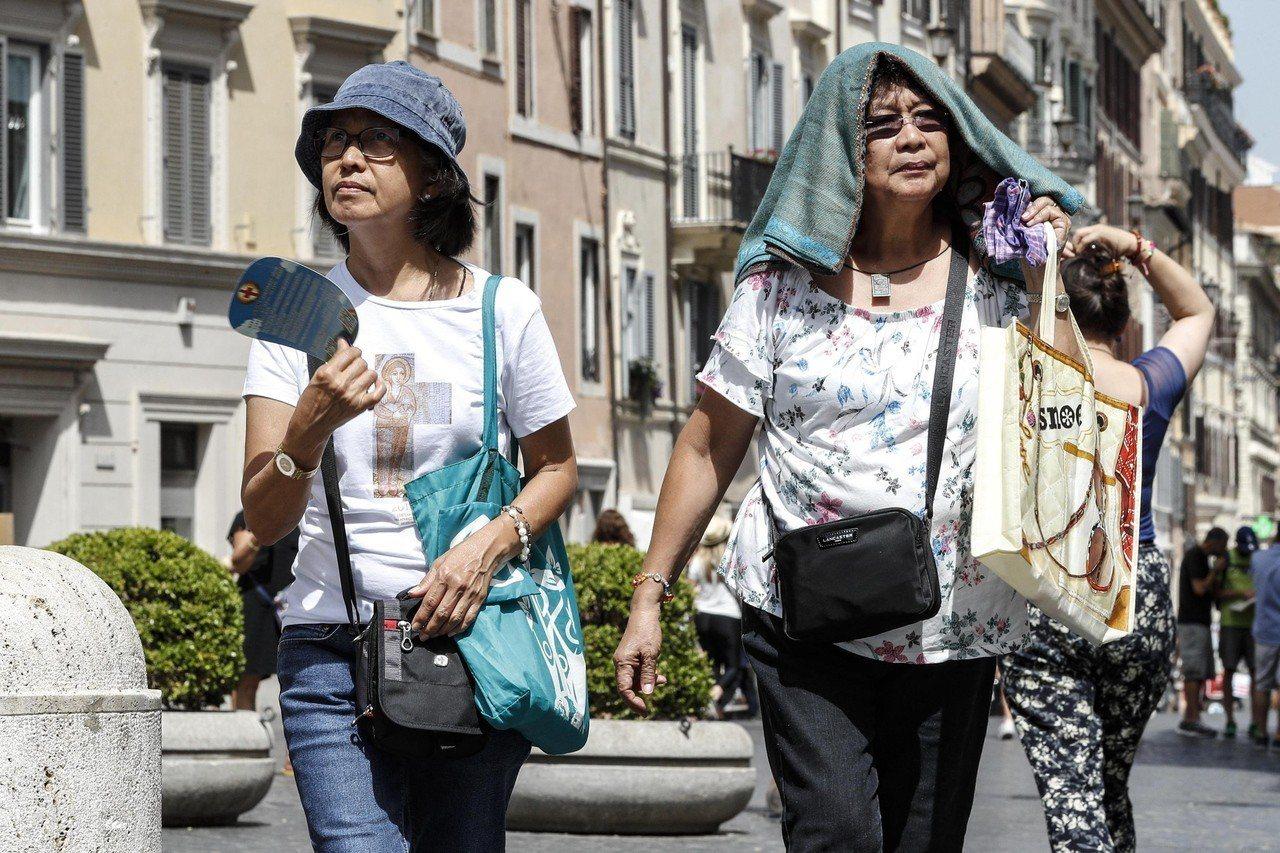 熱浪來襲,歐洲可能打破48度最熱紀錄。 歐新社