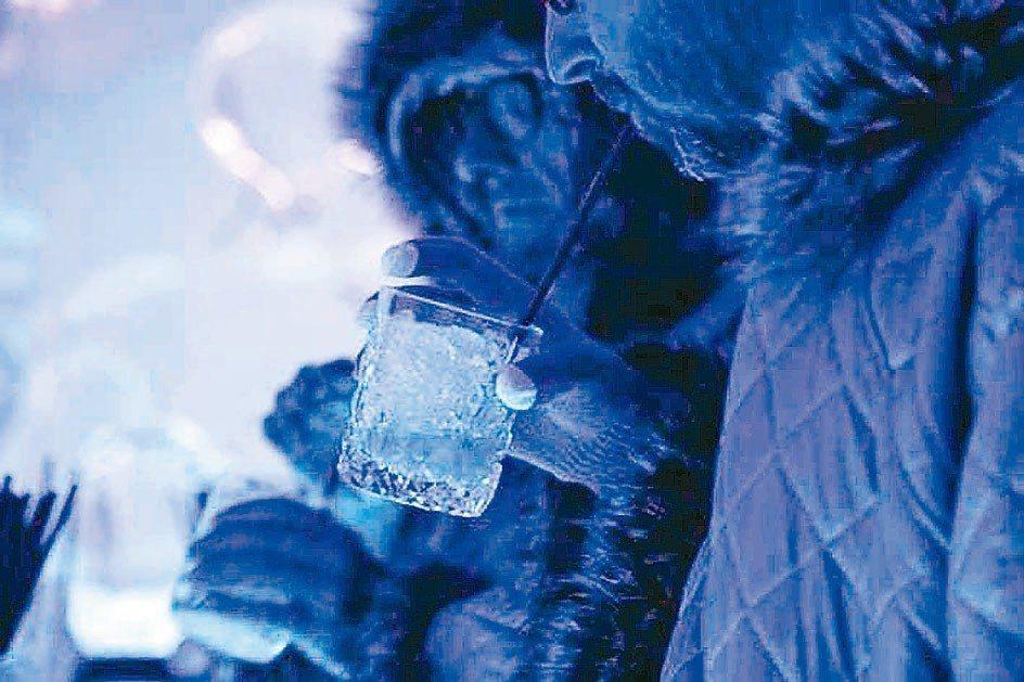 柏林一家夜店提供攝氏零下10度的北極體驗。 (美聯社)