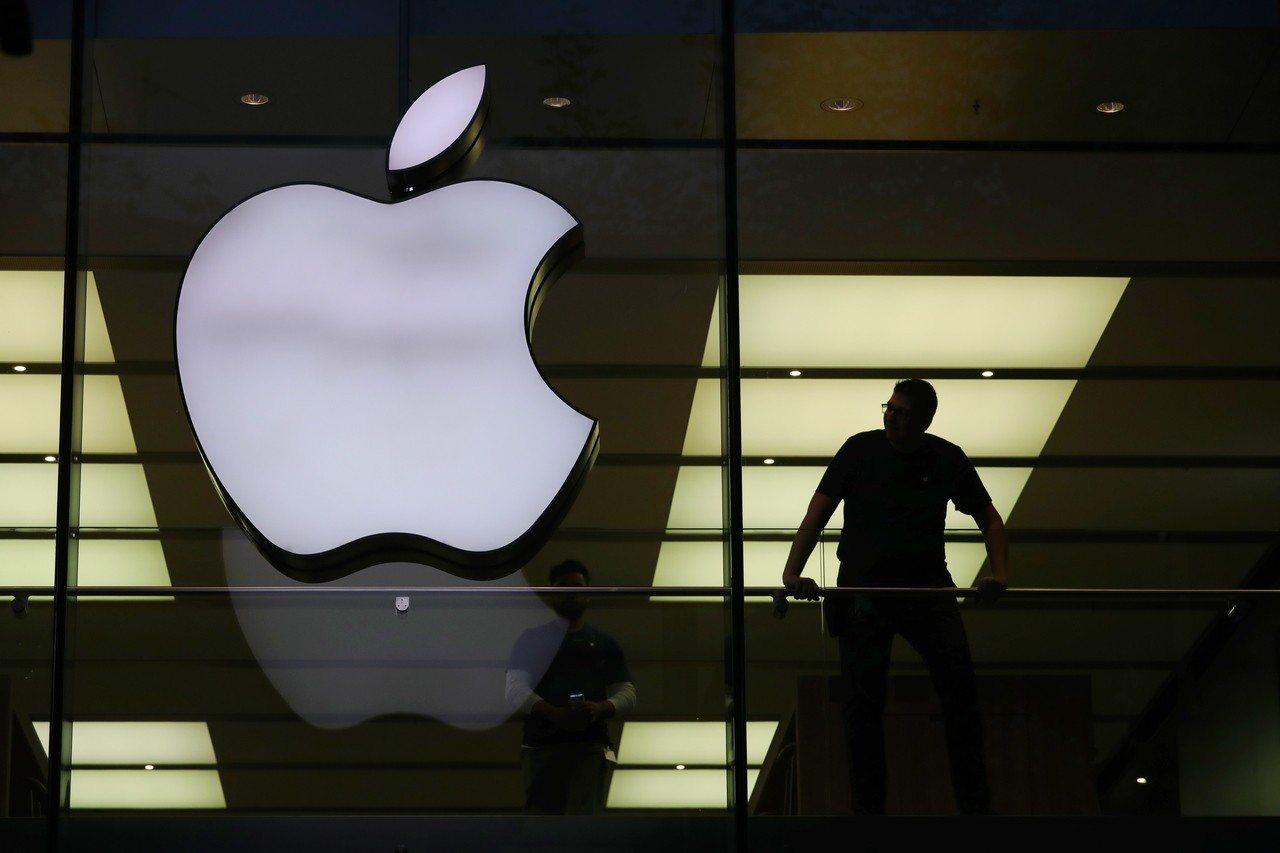 蘋果深耕擴增實競技術應用,外媒報導,蘋果開發可應用在汽車擋風玻璃的擴增實境技術,...