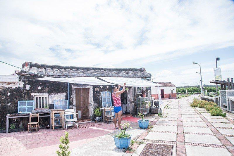 小巧的房舍,原本是鄭家古厝用來安置家畜的地方。 攝影/行遍天下