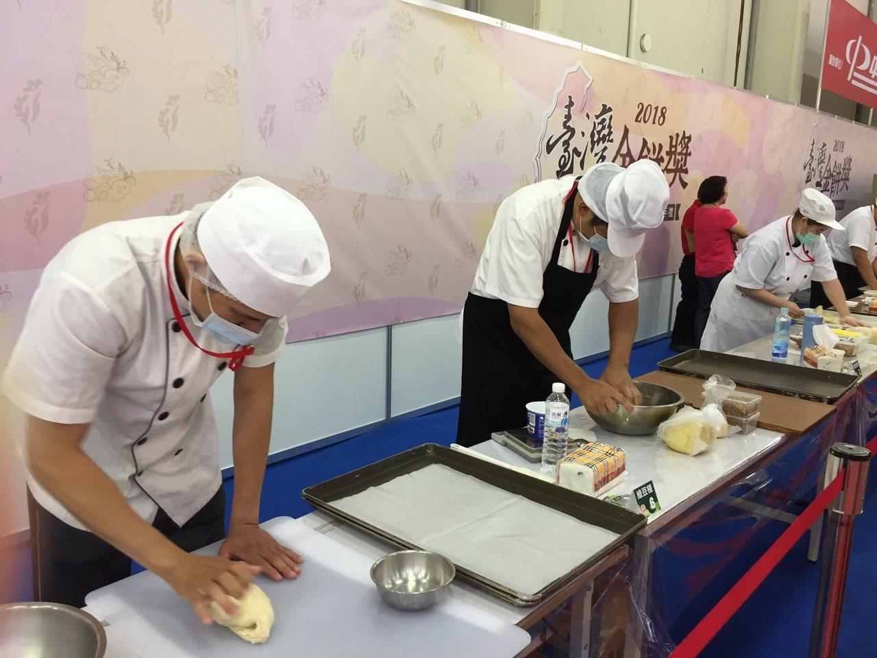 「台灣金餅獎糕餅競賽」在台中世貿中心舉行。記者余采瀅/攝影