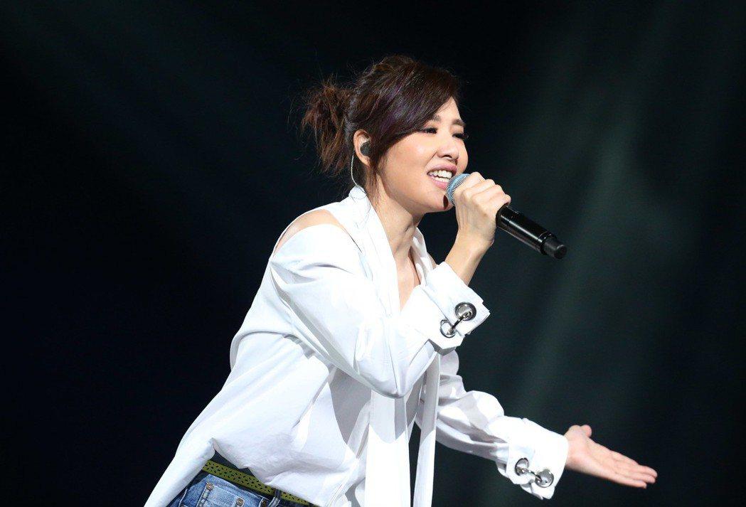 蘇慧倫一連演唱45分鐘。記者林俊良/攝影