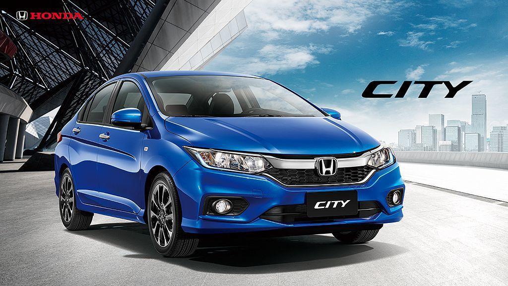 Honda City去年小改後戰力明顯提升,就算是最入門的車型安全配備也很完善。...
