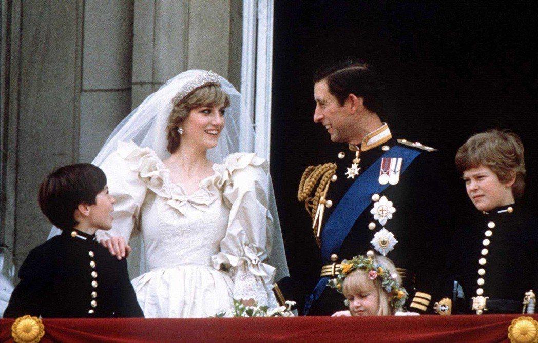 黛安娜嫁給英國查爾斯王子,曾被視為「現代童話」。圖/路透資料照片