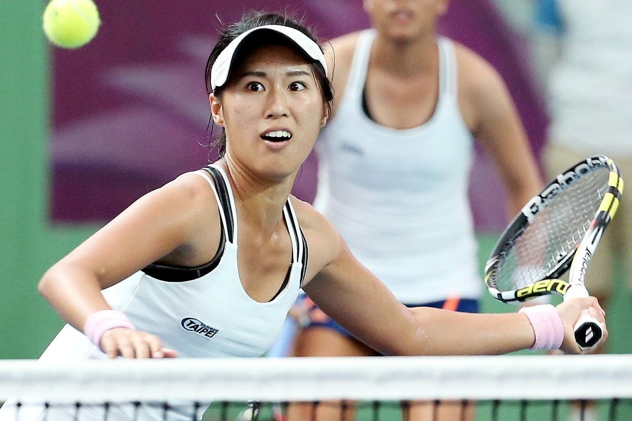 即將參加雅加達亞運的台灣網球女將許絜瑜,今天與搭檔在沃斯堡女網賽雙打賽事,以2比...