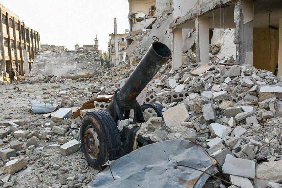 敘利亞經過7年內戰已經殘破不堪,但仍屹立不搖的阿薩德政權讓西方國家拒絕協助重建。...