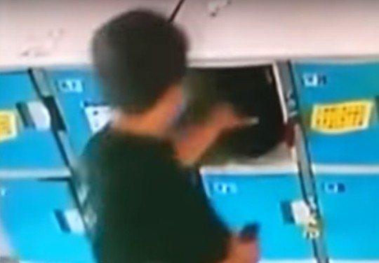 蔡姓女子則是被偷走現金5000元、土耳其幣100里拉、萬寶龍皮夾、信用卡、名牌皮...