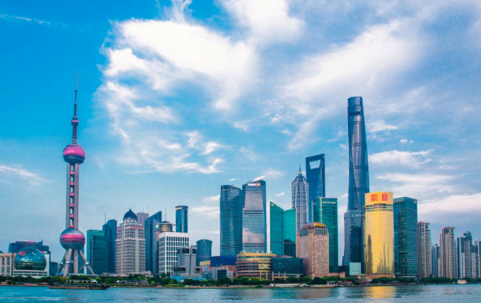今年上半年大陸居民人均可支配收入,上海以人民幣32,612元(約新台幣150,5...