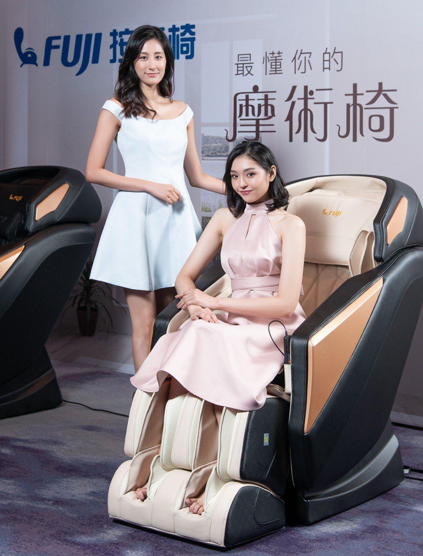 FUJI摩術椅加入6大摩術仿真手法,以及FUJI獨創頂臀拉身泰式古法拉伸術,一鍵...