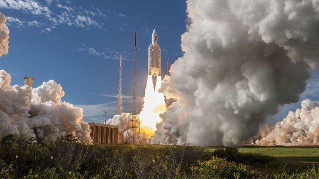 7月25日歐洲太空總署(ESA)宣布亞利安5號火箭(Ariane 5)順利升空。