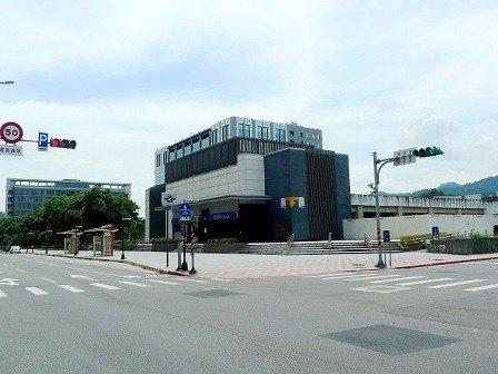 標的周邊環境-捷運頂埔站。  德天地產/提供
